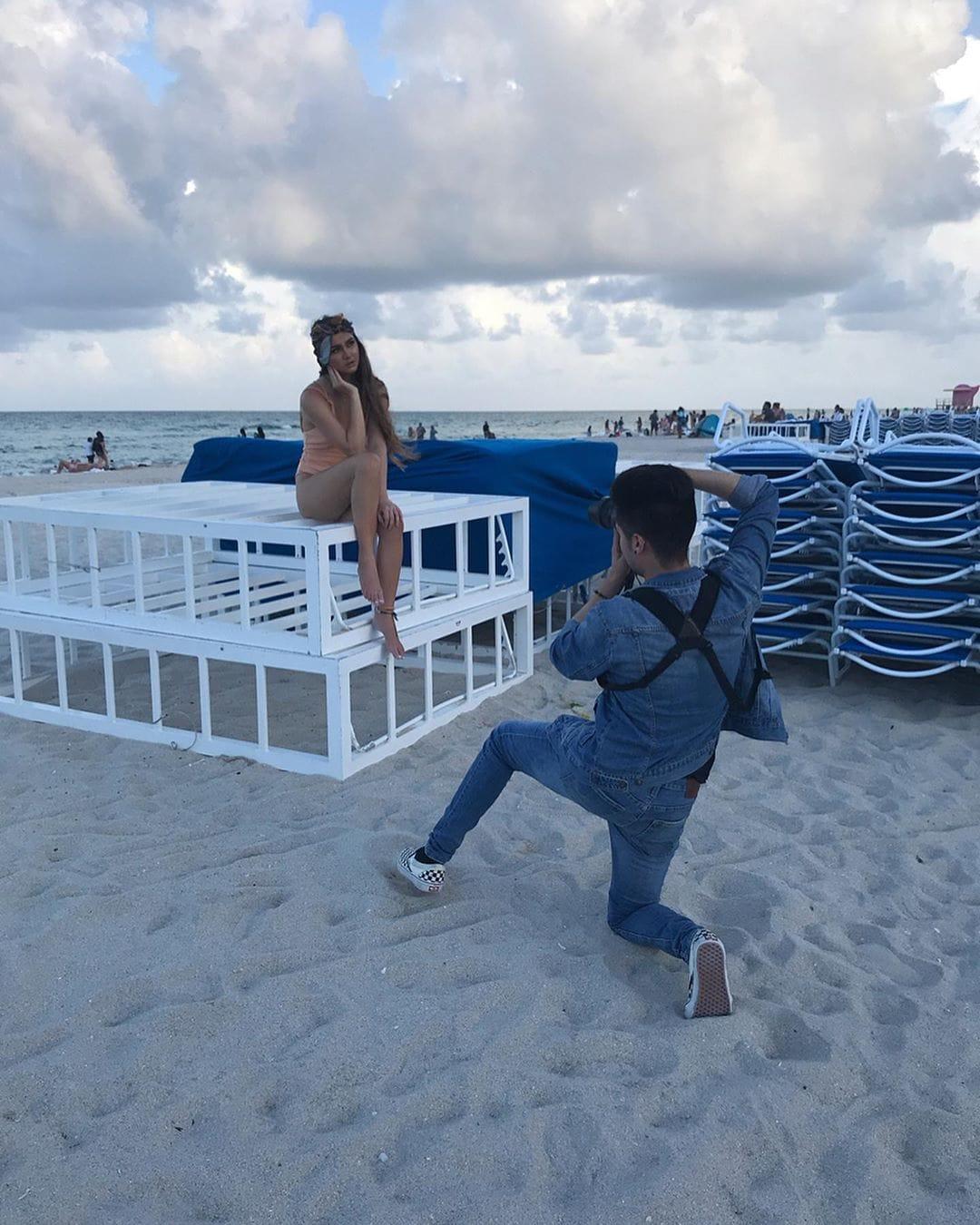 1569499541 6364d3f0f495b6ab9dcf8d3b5c6e0b01 - Фотограф из Флориды показал, как выглядит со стороны процесс съёмки идеальных инстаграмных снимков