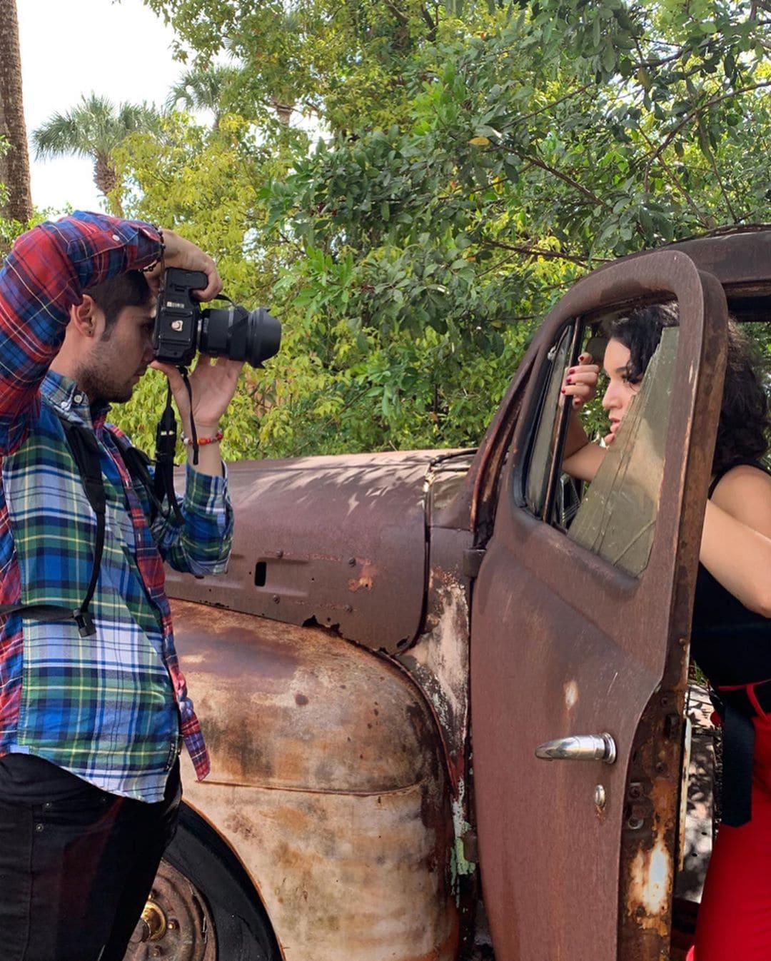 1569499548 a5771bce93e200c36f7cd9dfd0e5deaa - Фотограф из Флориды показал, как выглядит со стороны процесс съёмки идеальных инстаграмных снимков
