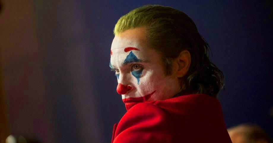 В прокате идёт фильм «Джокер» с Хоакином Фениксом. Неужели так хорош? Теории, мемы, реакция зрителей