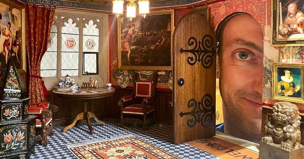 Британец 30 лет строит свой собственный миниатюрный замок. И его детализация зашкаливает!