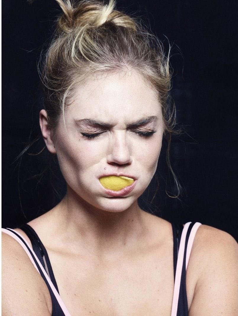 1571925674 59a750837181225fb25e5e7498d45f8c - Моделей попросили съесть дольку лимона перед камерой, и на это кисло даже смотреть