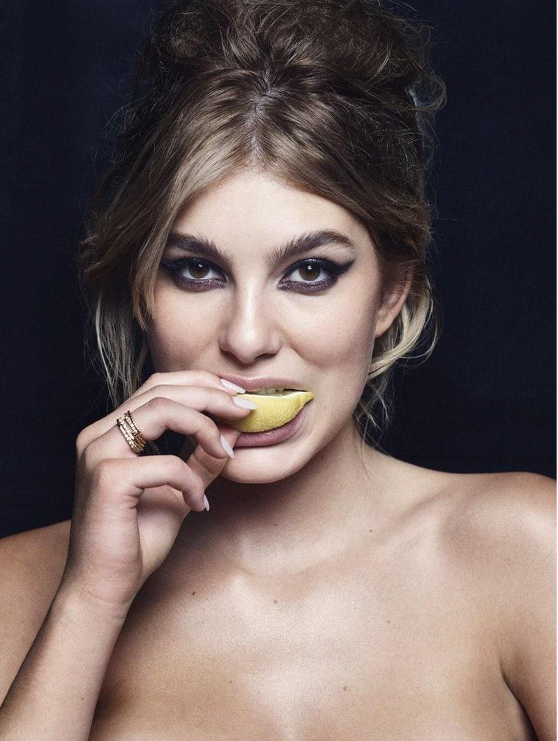 1571925743 d86b566a95a2acd058010df76a19dd6e - Моделей попросили съесть дольку лимона перед камерой, и на это кисло даже смотреть