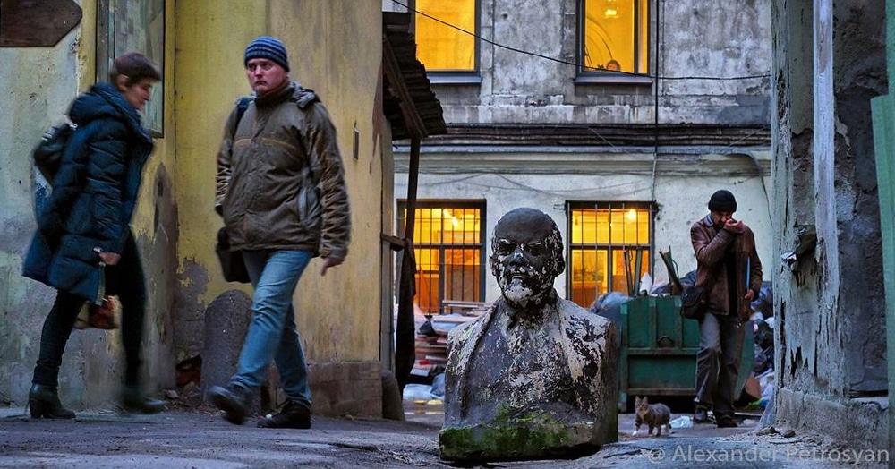 20 невероятных работ российского фотографа, которые как нельзя точно передают колорит наших улиц