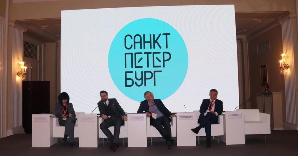 У Санкт-Петербурга появился новый логотип за 7 миллионов рублей, и поток пародий не остановить