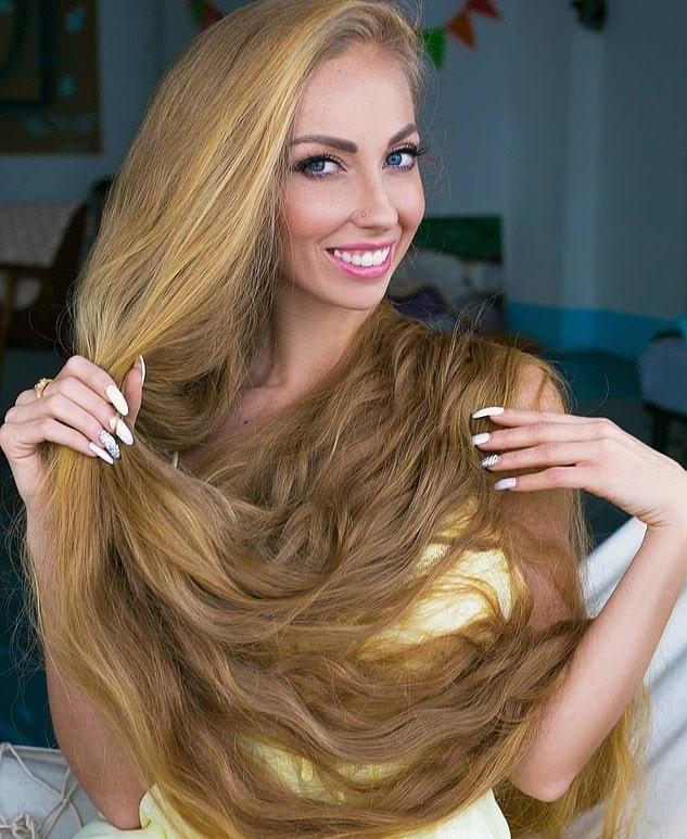 1577107695 bd5967d688909b0678f795c79e906116 - Украинка отрастила волосы длиной в 1.8 метра и рассказала, как живётся Рапунцель в современном мире