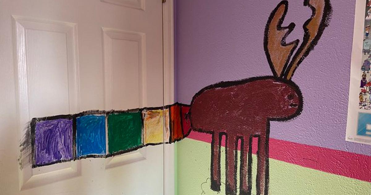 Папа разрешил дочери поиграть с красками, думая, что это отвлечёт её от гаджетов. Что могло пойти не так?