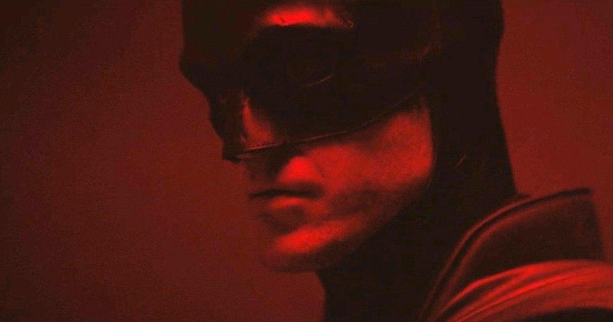 Роберта Паттинсона впервые показали в образе Бэтмена — режиссёр фильма выложил короткий ролик
