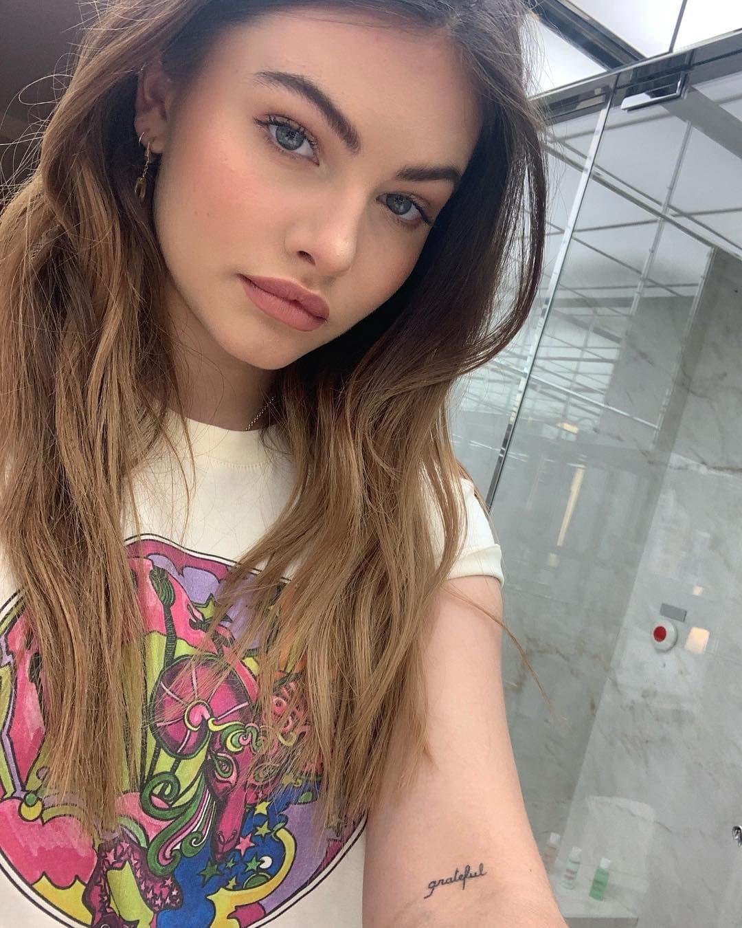 Фото девушки 18 лет