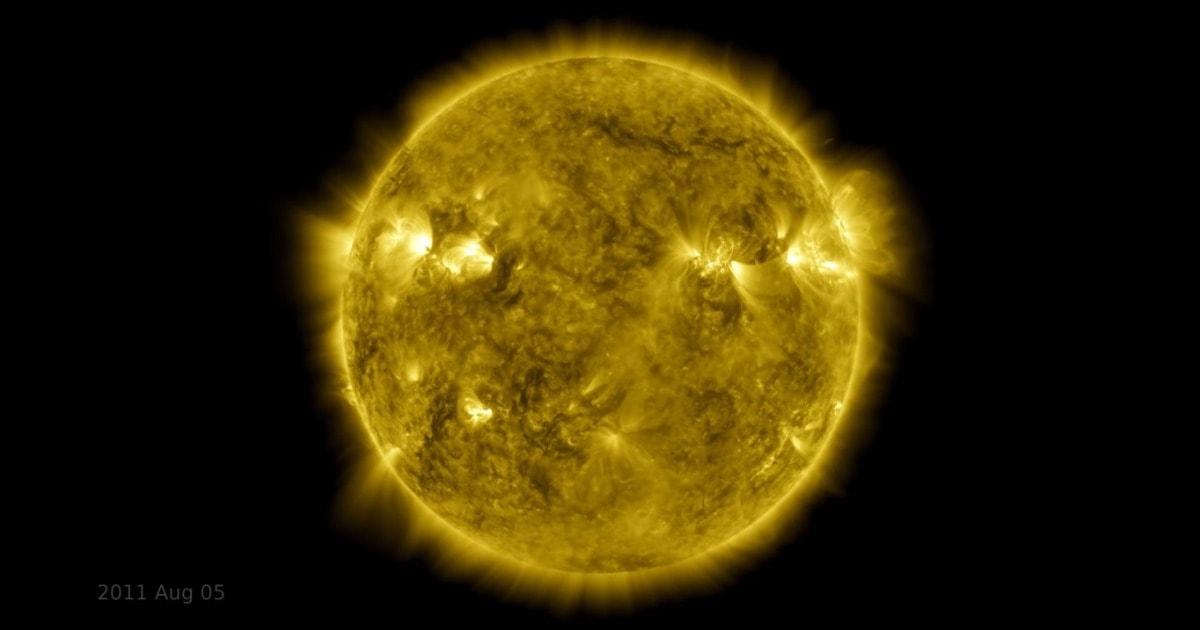 В сети обсуждают видео от НАСА, где показано движение Солнца за последние 10 лет. Оно создано из 425 млн фото