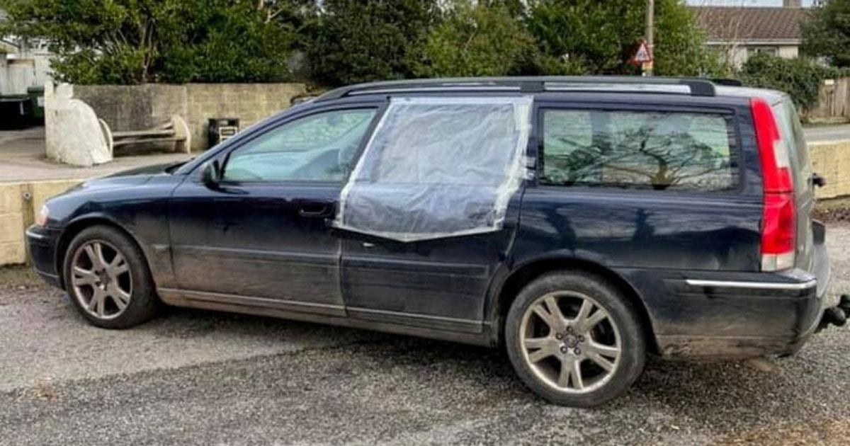 Британец хотел продать авто, которое никто бы не купил. Но он написал объявление, мимо которого сложно пройти