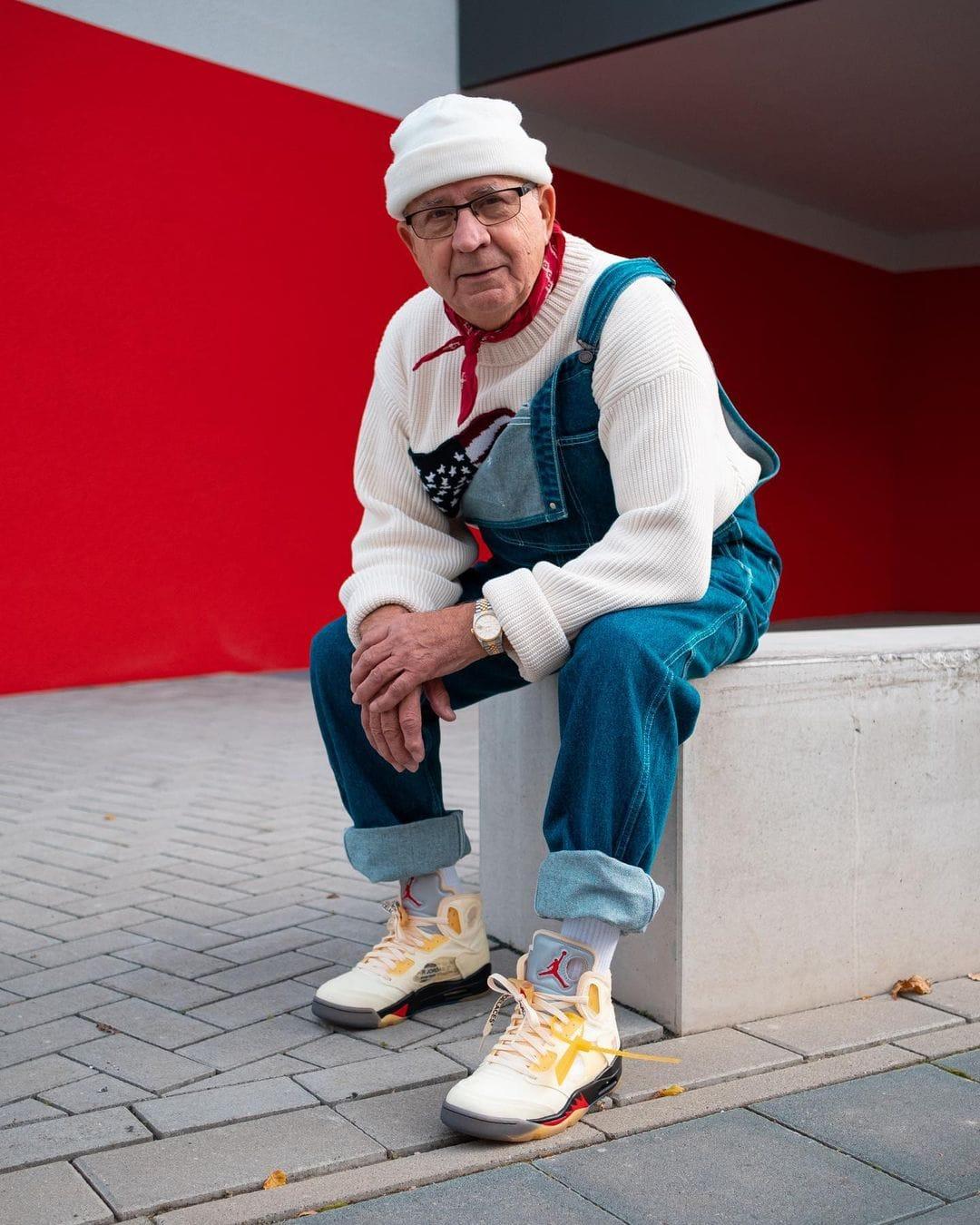 75-летний дедушка любит уличный стиль и повторяет наряды звёзд. И его уже прозвали самым большим модником