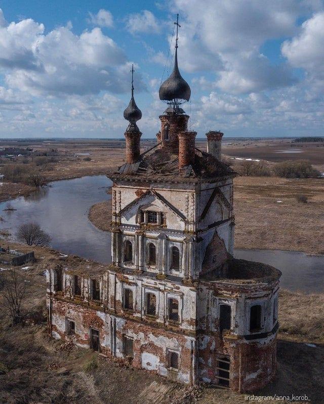 18 фотографий заброшенных мест, которые завораживают и манят своей пугающей красотой
