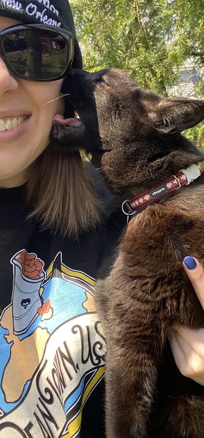 17 смешных фото с питомцами, которые доказывают, что сделать милое селфи с любимцем — невыполнимая миссия