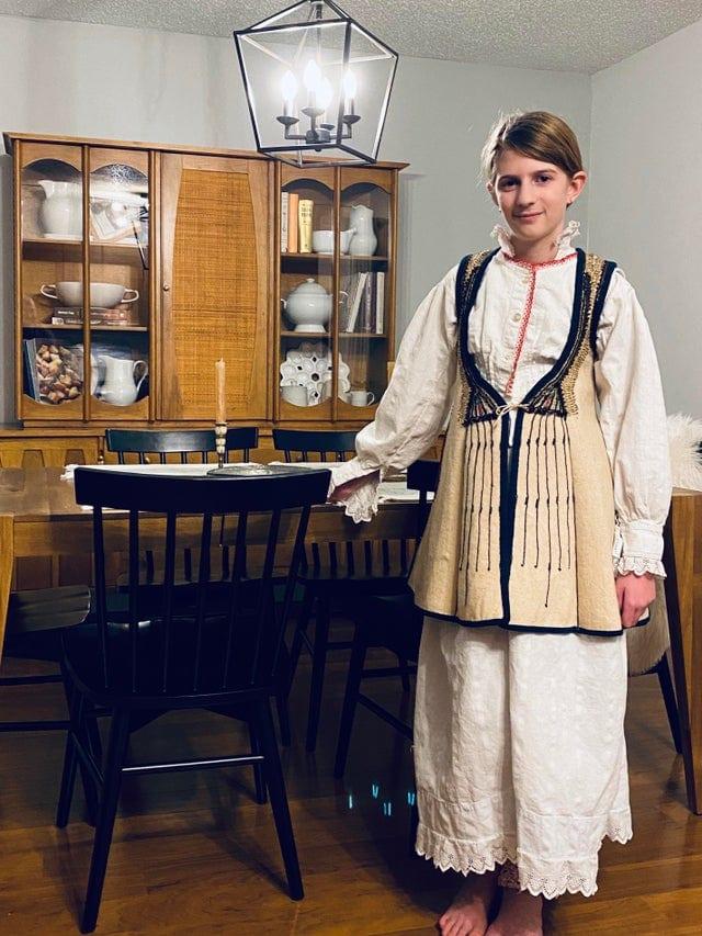 17 примеров того, как люди легко вписали в свой гардероб наряды мам, бабушек и даже прабабушек