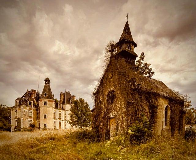 19 фотографий заброшенных мест, которые пугают и манят своей таинственной атмосферой